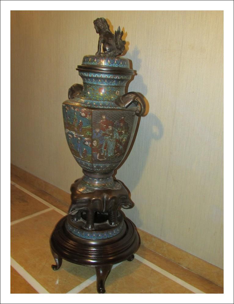 Raro Incensiere in bronzo decorato cloisonné KORO periodo EDO
