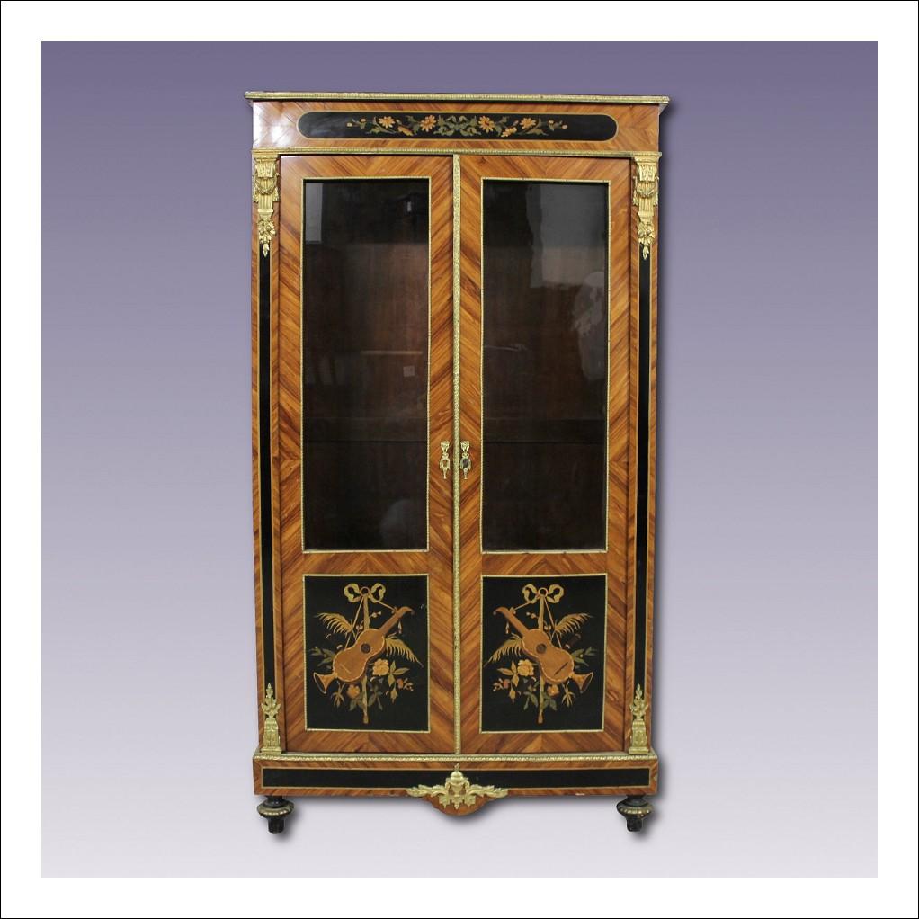 vetrina antica xix secolo