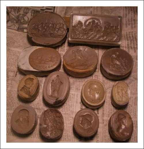 Stampi antichi in cera .