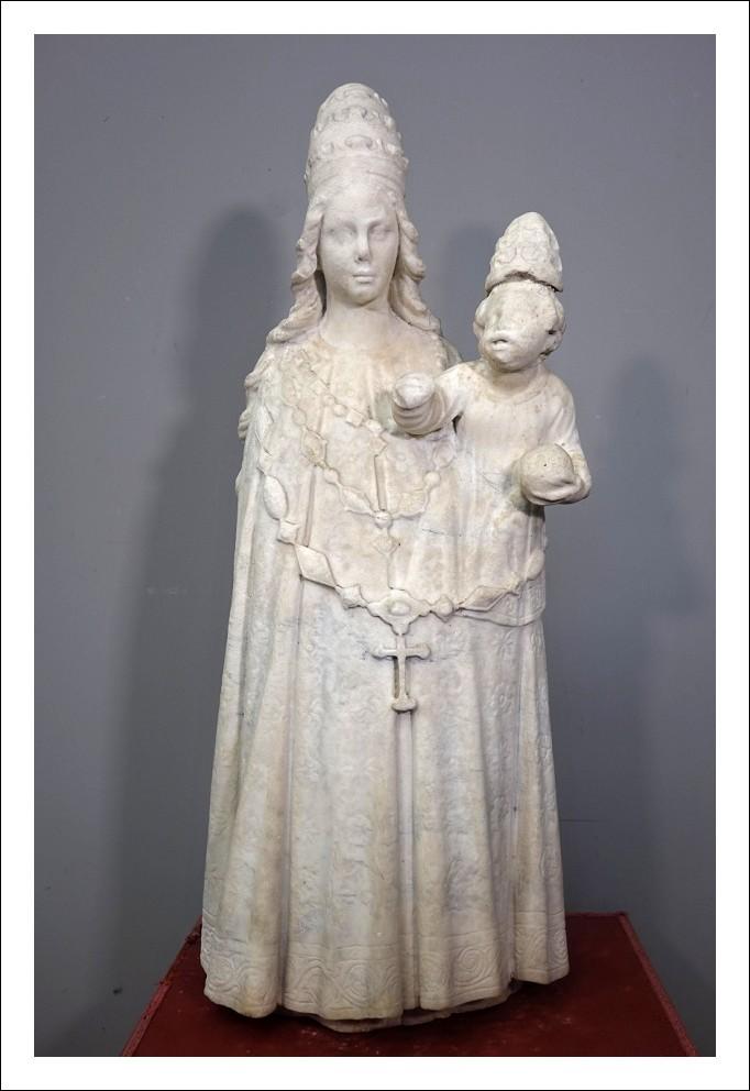 Scultura in marmo siciliana alta epoca    0270056