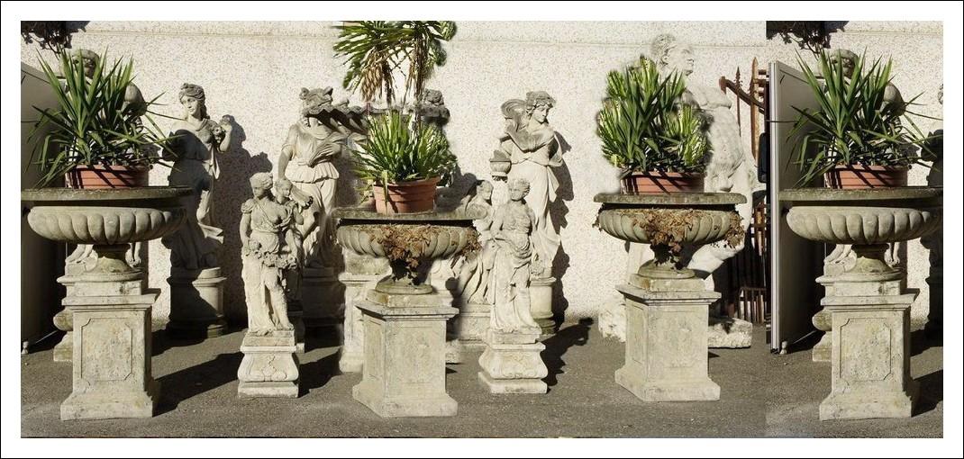 Quattro vasi da giardino in pietra di Vicenza   0930170