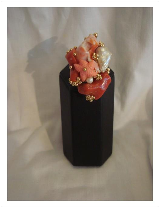 Anello artigianale corallo e madreperla