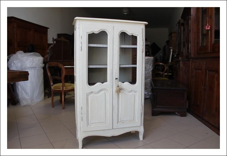Vetrina  provenzale laccata Shabby provenzale avorio epoca 1940 . restaurata. Piccola libreria Alta