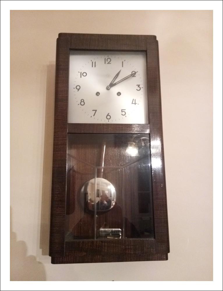 Orologio a pendolo in legno  marca Junghans anni '20 del '900