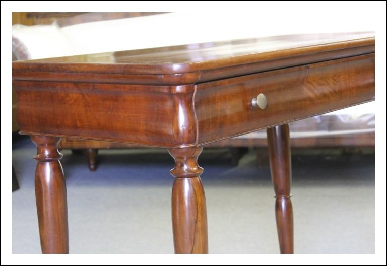 Scrittoio scrivania Carlo X 1840 Lombardo !restaurato noce massello. Tavolinetto antiquariato
