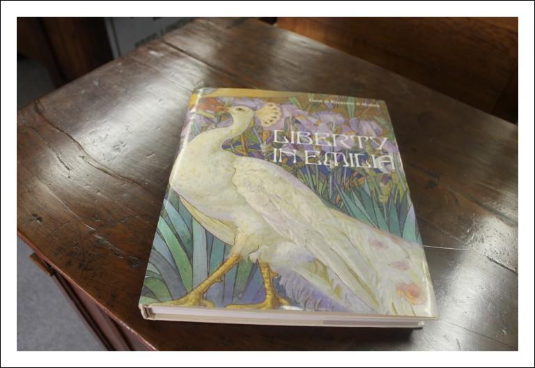 Libro Liberty Emilia . Poligrafico Artioli Cassa di risparmio Modena 1988