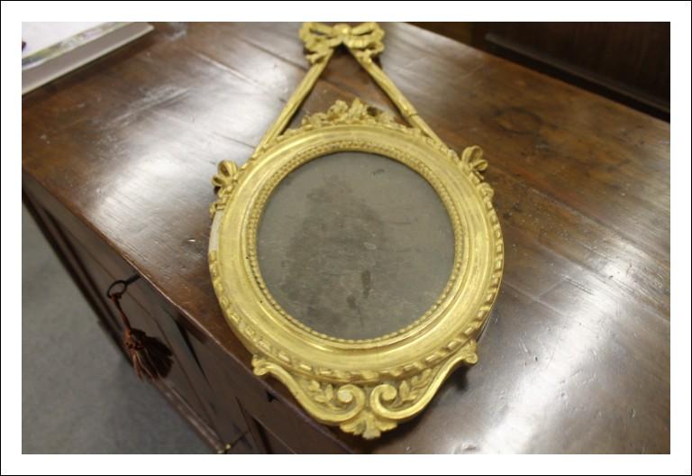 Cornice dorata Napoleone terzo , ovale da rest. Piccole dimensioni Francia fine 800