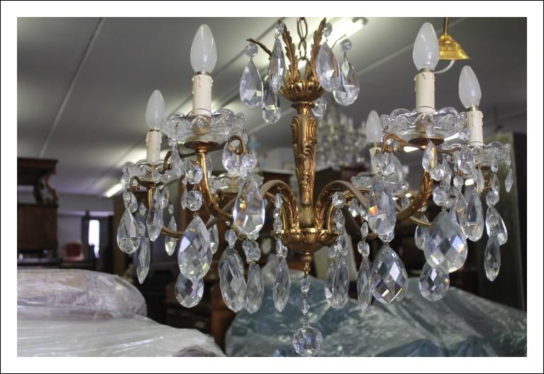 Antico lampadario primi 900 6 bracci  in gocce di cristallo e bronzo . antiquariato