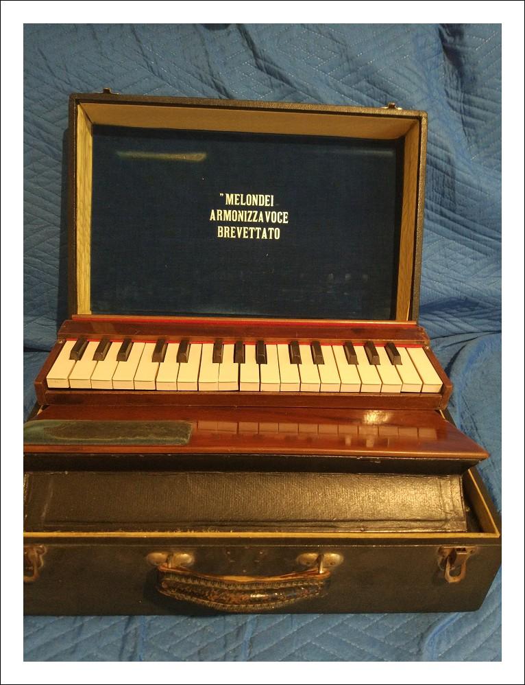 tastiera antica portatile