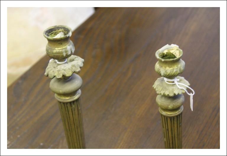 Coppia candelabri bronzo fine 800 , antichi antiquariato . Misure diverse
