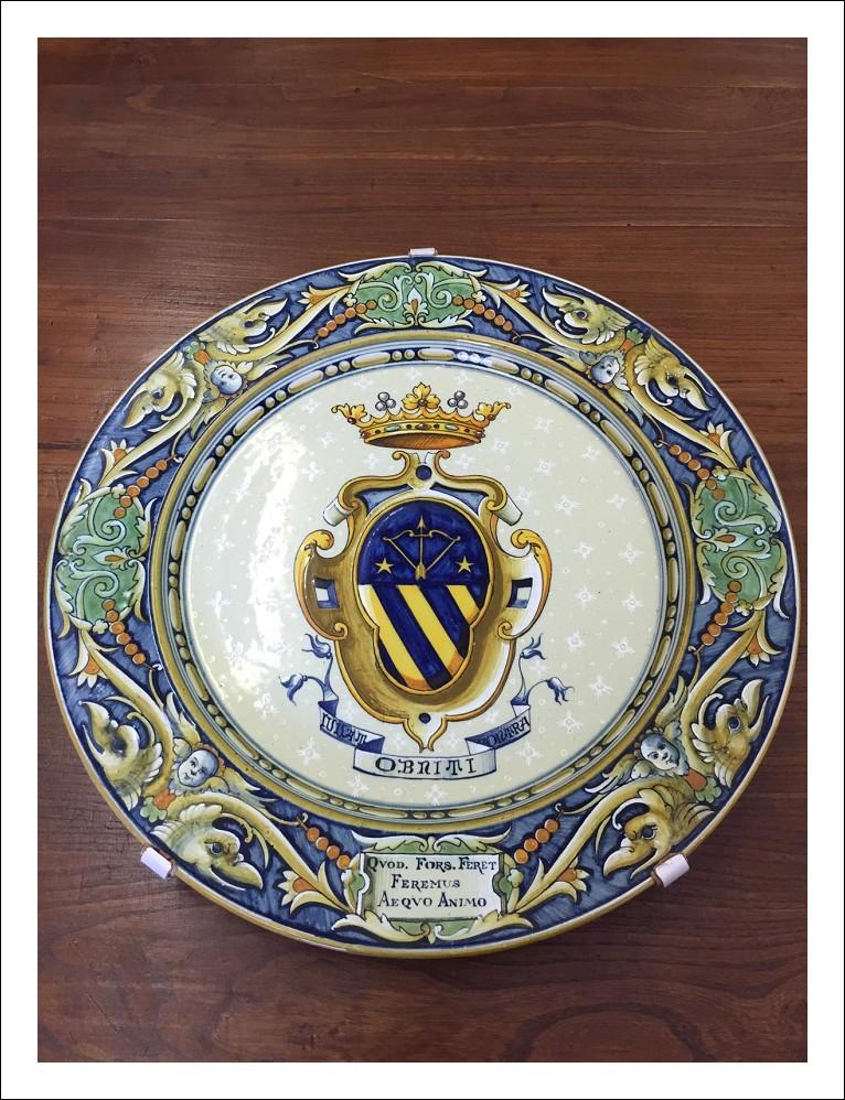 Grande Piatto Cantagalli Firenze fine 800 maiolica , con stemma Nobiliare Antiquariato !Antico