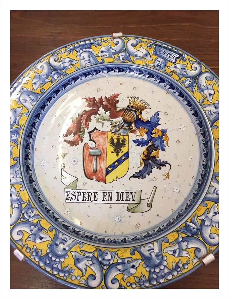 Grande Piatto maiolica Cantagalli  Firenze fine 800 con stemma  . ceramica Antico Antiquariato .