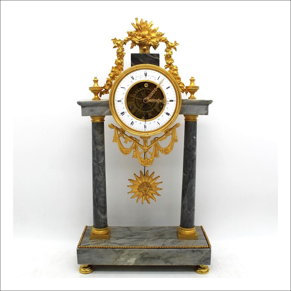 Antico Orologio a Pendolo Portico in bronzo dorato e marmo - ora repubblicana 1793 ca.