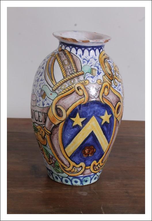Vaso – Orcio in maiolica dipinto con stemma epoca 900 firmato!