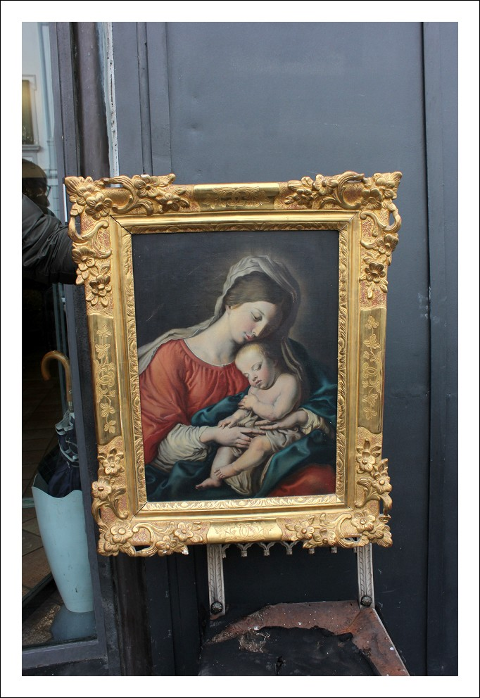 Stupendo dipinto raffigurante Madonna col Bambino con cornice coeva.Periodo XIX secolo