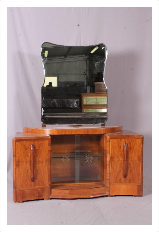 Deliziosa Antica Toletta console con specchiera , periodo art decò  marca Ronson  in noce . 1930 Ant