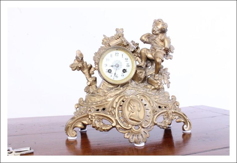 Antica bellissima Parigina, Orologio  in bronzo dorato. epoca 800 da tavolo . Antiquariato