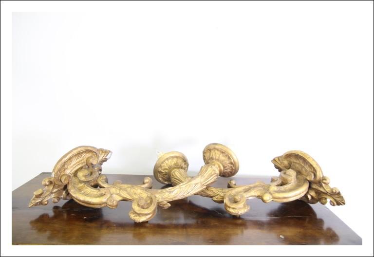 Antica coppia di bracci torcieri applique epoca Barocco 600 legno dorato a mecca. Antiquariato lumi