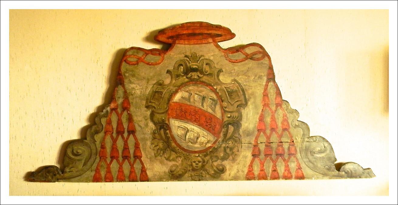 Schienale di panca con lo stemma del Cardinale GREGORIO BARBARIGO - (1625 / 1697)