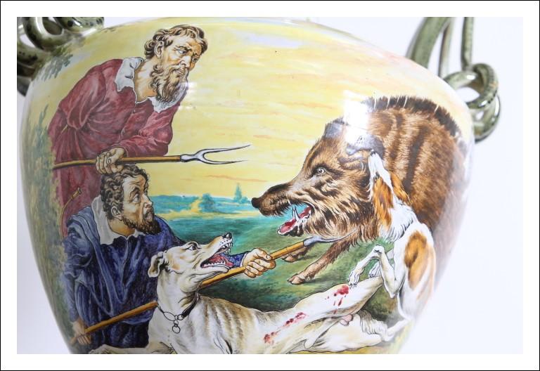 Grande e bellissimo vaso in maiolica istoriato  fine 800 Sesto fiorentino Colonnata . firmato Cacci