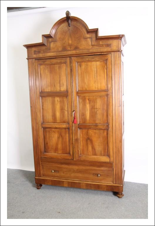 Antico Armadio stipo L. Filippo Mantova metà 800 noce restaurato . Guardaroba antiquariato !!