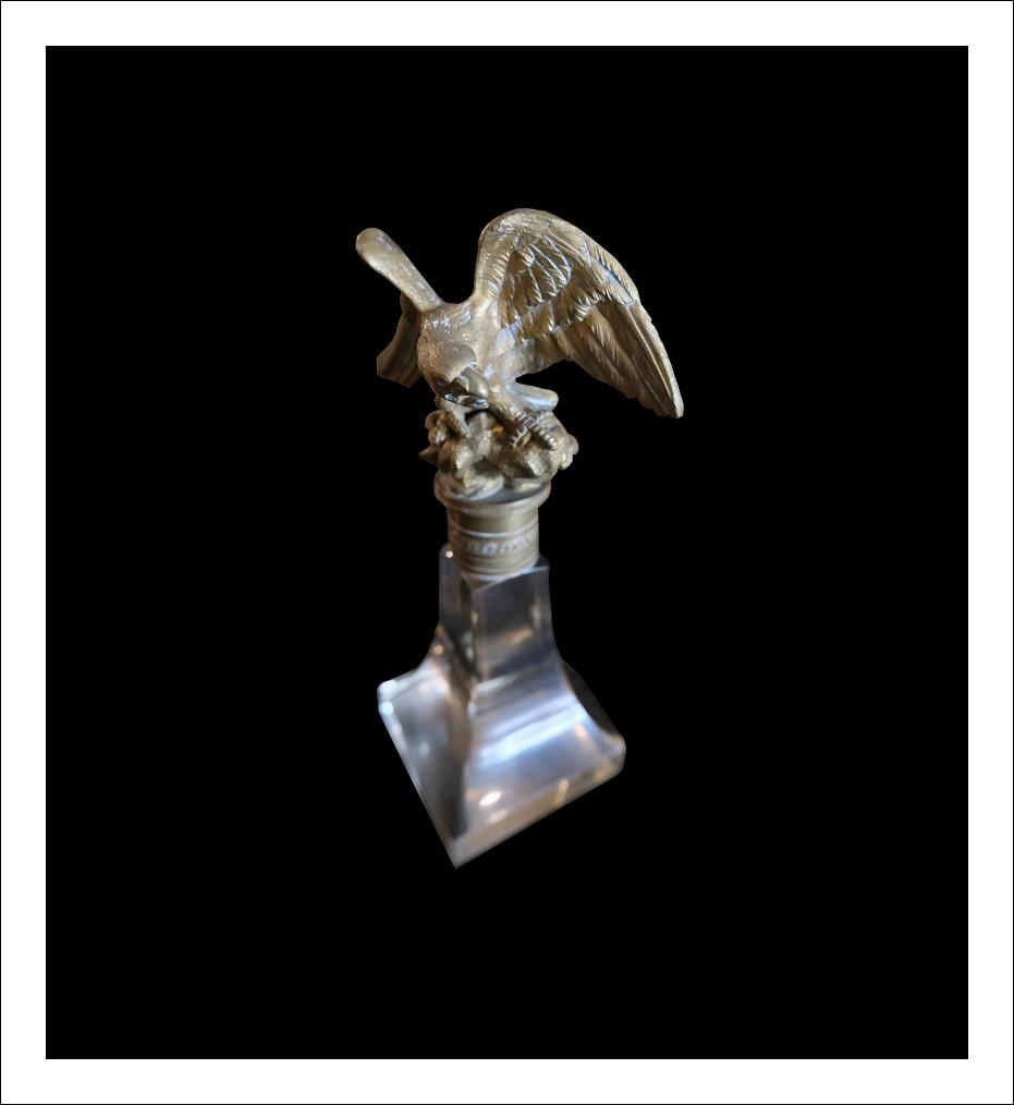 Aquila antica in bronzo cesellato.