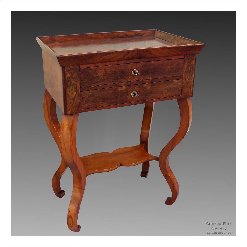 Antico Tavolino Carlo X in noce - epoca XIX secolo