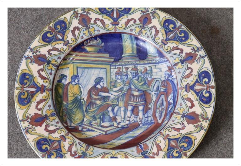 Antico Piatto Santarelli  fine 800 Gualdo Tadino Lustro firma Oro . No Rubboli