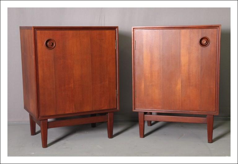 Modernariato credenzini/ comodini  Teak anni 50 restaurati attribuiti a V. Dassi. Design Vintage .