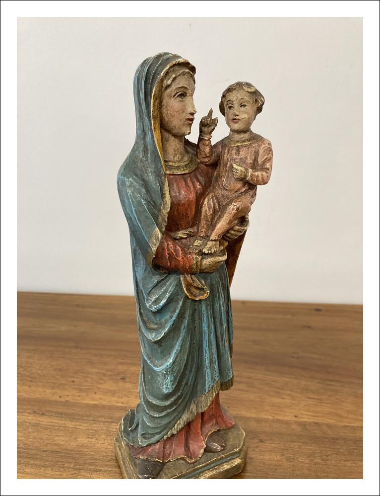Antica scultura in legno policromo Maria Vergine e bambino  metà 800. Antiquariato cm 31,50