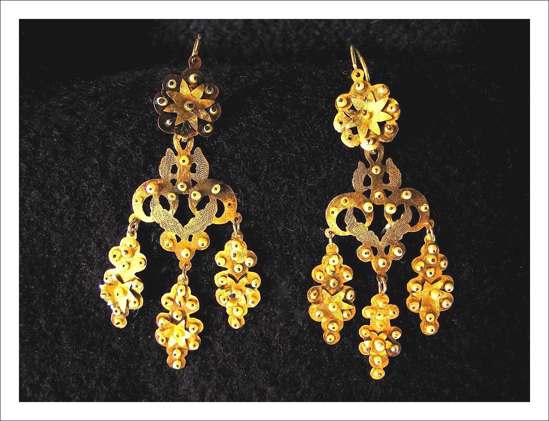 Coppia di orecchini in oro Trapani 1820/35