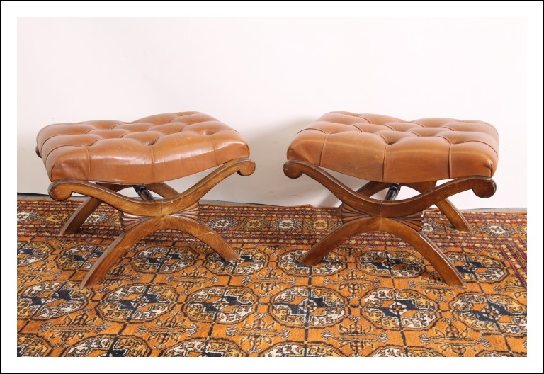 Coppia di sgabelli pouf vintage anni 70 legno e pelle !!