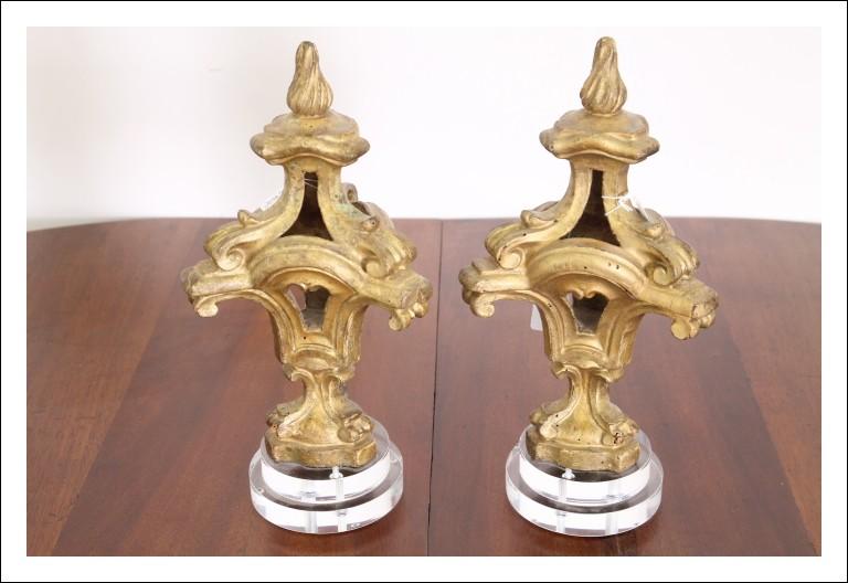 Antica coppia di pennacoli intagliati e dorati a mecca  epoca primi 800 Venezia .