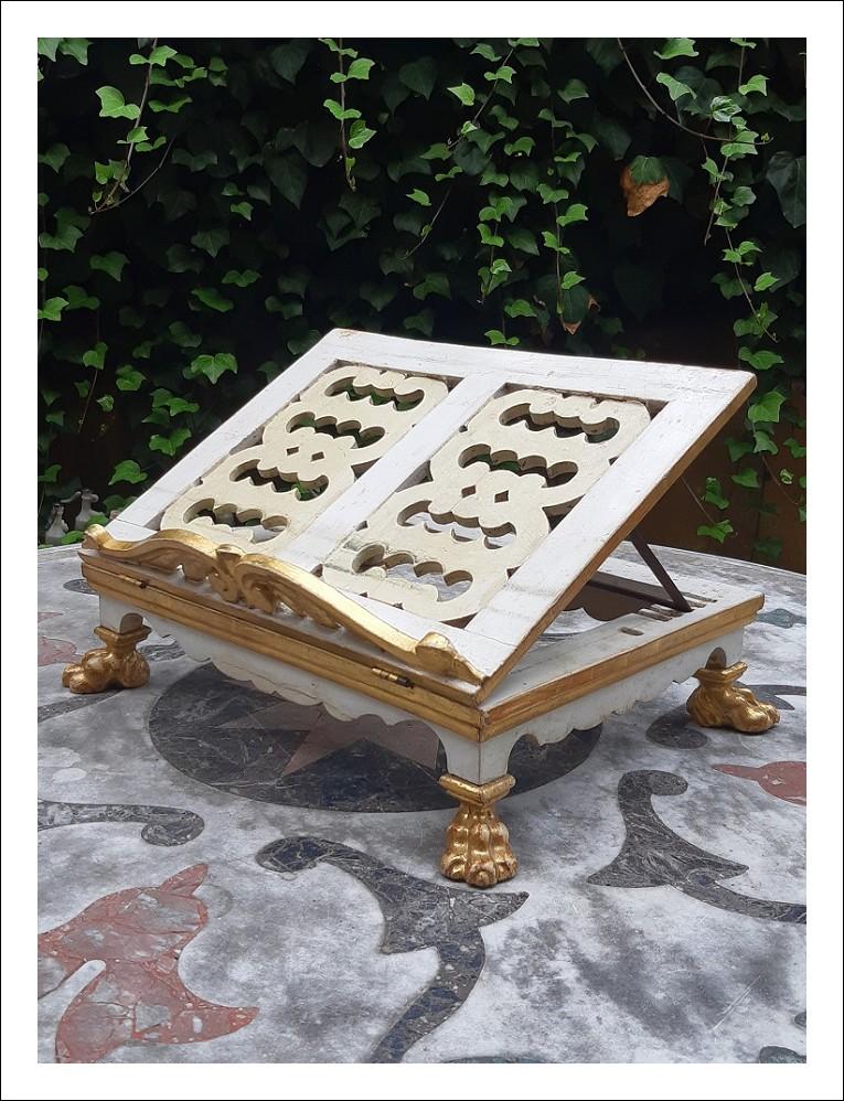 Leggìo antico veneto da tavolo dorato del '700